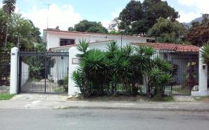 Casa En Venta En Caracas, Country Club, Venezuela, VE RAH: 16-17298
