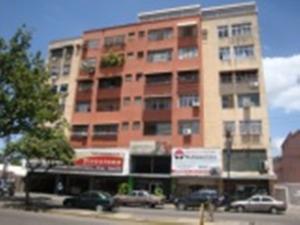 Apartamento En Venta En Maracay, San Miguel, Venezuela, VE RAH: 16-17305