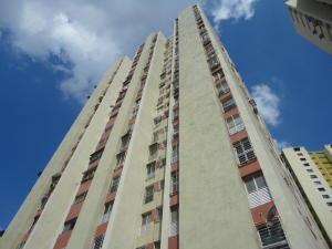 Apartamento En Venta En Caracas, El Valle, Venezuela, VE RAH: 16-17313