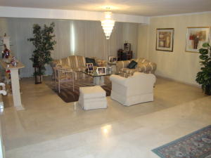 Apartamento En Venta En Maracaibo, El Milagro, Venezuela, VE RAH: 16-17322