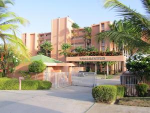 Apartamento En Venta En Rio Chico, Los Canales De Rio Chico, Venezuela, VE RAH: 16-17330