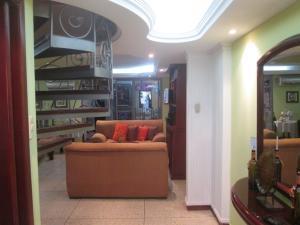 Apartamento En Venta En Maracaibo, Altos De La Vanega, Venezuela, VE RAH: 16-17537