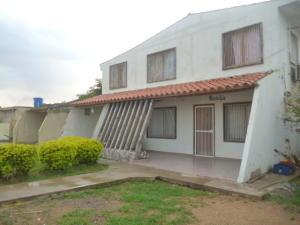 Casa En Venta En Punto Fijo, Puerta Maraven, Venezuela, VE RAH: 16-17350