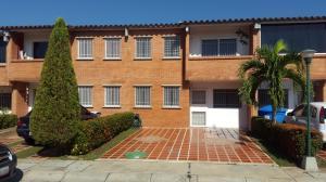 Townhouse En Venta En Guatire, Terrazas De Buena Ventura, Venezuela, VE RAH: 16-17373