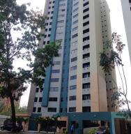 Apartamento En Venta En Valencia, Valles De Camoruco, Venezuela, VE RAH: 16-17385