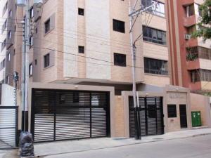Apartamento En Venta En Maracay, San Isidro, Venezuela, VE RAH: 16-19272