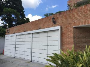 Casa En Venta En Caracas, Santa Cecilia, Venezuela, VE RAH: 16-17400