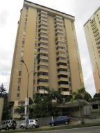 Apartamento En Venta En Caracas, Lomas De Prados Del Este, Venezuela, VE RAH: 16-17419