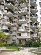Apartamento En Venta En Caracas, Los Naranjos Del Cafetal, Venezuela, VE RAH: 16-17429