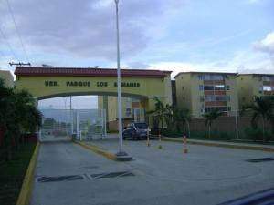 Apartamento En Venta En Maracay, Coropo, Venezuela, VE RAH: 16-17432