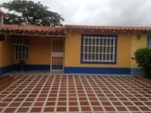 Casa En Venta En Municipio San Diego, Valle De Oro, Venezuela, VE RAH: 16-17442