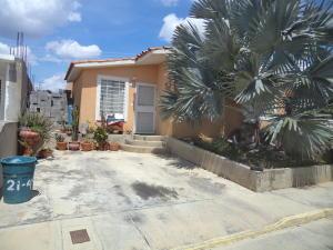 Casa En Venta En Barquisimeto, Hacienda Yucatan, Venezuela, VE RAH: 16-17449