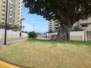 Apartamento En Venta En Maracaibo, Avenida Milagro Norte, Venezuela, VE RAH: 16-17490