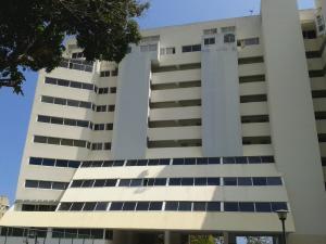 Apartamento En Venta En Parroquia Caraballeda, Caribe, Venezuela, VE RAH: 16-17469