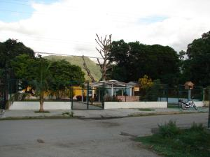Casa En Venta En Ocumare De La Costa, El Playon, Venezuela, VE RAH: 16-17477