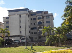 Apartamento En Venta En Caracas, Lomas De Bello Monte, Venezuela, VE RAH: 16-17658
