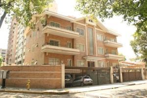 Apartamento En Alquiler En Caracas, El Rosal, Venezuela, VE RAH: 16-17484