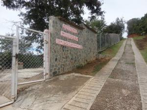 Terreno En Venta En Caracas, Caicaguana, Venezuela, VE RAH: 16-17550