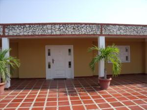 Casa En Venta En Ciudad Ojeda, Andres Bello, Venezuela, VE RAH: 16-17499