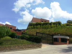 Townhouse En Venta En Caracas, La Trinidad, Venezuela, VE RAH: 16-17610