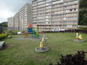 Apartamento En Venta En Caracas, El Encantado, Venezuela, VE RAH: 16-17524