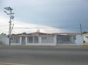Casa En Venta En Ciudad Ojeda, Avenida Vargas, Venezuela, VE RAH: 16-17525
