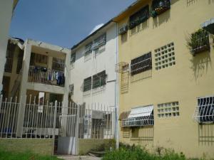Apartamento En Venta En Maracay, El Paseo, Venezuela, VE RAH: 16-17541