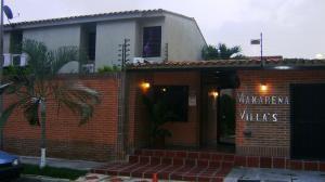 Townhouse En Venta En Municipio Naguanagua, Tazajal, Venezuela, VE RAH: 16-17545