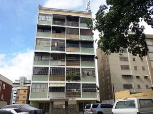 Apartamento En Venta En Caracas, Las Acacias, Venezuela, VE RAH: 16-17554