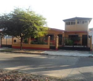 Casa En Venta En Valencia, Prebo Ii, Venezuela, VE RAH: 16-17557