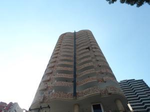 Apartamento En Venta En Valencia, El Parral, Venezuela, VE RAH: 16-17558