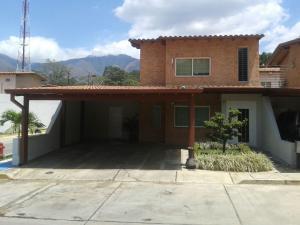Casa En Venta En Municipio San Diego, La Josefina I, Venezuela, VE RAH: 16-17560