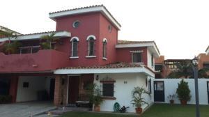 Casa En Venta En Valencia, Piedra Pintada, Venezuela, VE RAH: 16-17562