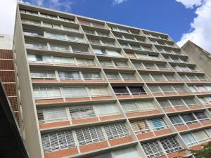 Apartamento En Venta En Caracas, El Encantado, Venezuela, VE RAH: 16-17563