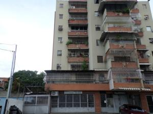 Apartamento En Venta En Charallave, Centro De Charallave, Venezuela, VE RAH: 16-17564