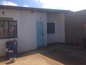Casa En Venta En Punto Fijo, Puerta Maraven, Venezuela, VE RAH: 16-17572