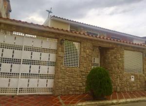 Casa En Venta En Charallave, Colinas De Betania, Venezuela, VE RAH: 16-16608