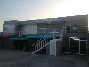 Local Comercial En Alquiler En Maracaibo, Cantaclaro, Venezuela, VE RAH: 16-17611