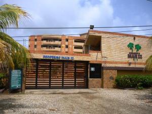 Apartamento En Venta En Tucacas, Tucacas, Venezuela, VE RAH: 16-17958