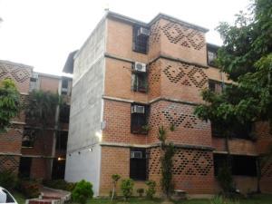 Apartamento En Venta En Guarenas, Nueva Casarapa, Venezuela, VE RAH: 16-17656