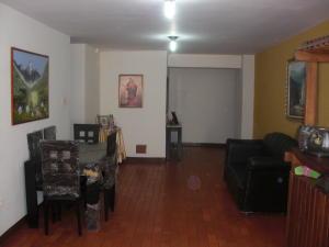 Apartamento En Venta En Coro, Centro, Venezuela, VE RAH: 16-17629