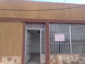 Local Comercial En Alquiler En Punto Fijo, Caja De Agua, Venezuela, VE RAH: 16-17632