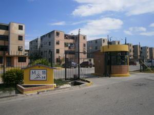 Apartamento En Venta En Municipio Los Guayos, Buenaventura, Venezuela, VE RAH: 16-17652