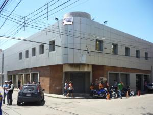 Edificio En Venta En Maracay, Zona Centro, Venezuela, VE RAH: 16-17647