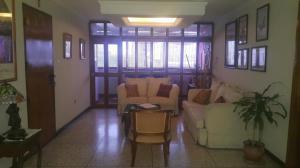 Apartamento En Alquiler En Maracaibo, Avenida Bella Vista, Venezuela, VE RAH: 16-17654