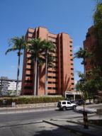 Apartamento En Venta En Caracas, Los Naranjos Del Cafetal, Venezuela, VE RAH: 16-17655