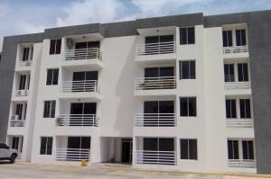 Apartamento En Venta En Cabudare, Parroquia Agua Viva, Venezuela, VE RAH: 16-17660