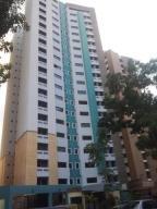 Apartamento En Venta En Valencia, Valles De Camoruco, Venezuela, VE RAH: 16-17667