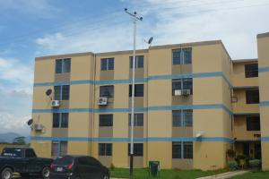 Apartamento En Venta En Municipio Los Guayos, Paraparal, Venezuela, VE RAH: 16-17769
