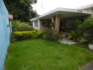 Casa En Venta En Maracay, El Limon, Venezuela, VE RAH: 16-17713